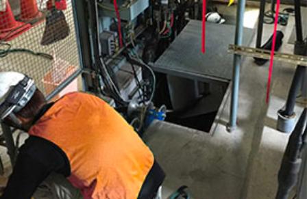 電気・空調設備工事の様子